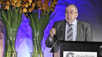 Verlager waren in den letzten Jahren zu bequen und arrogant: Medienprofi Karl Lüönd an der GV der AZ Medien AG.