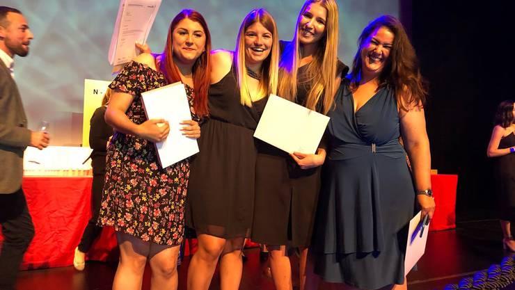 von links: Blaser Selin, Heiniger Alessandra, Roth Tamara, Schütz Petra ( auf dem Bild fehlt Bühlmann Pascal)