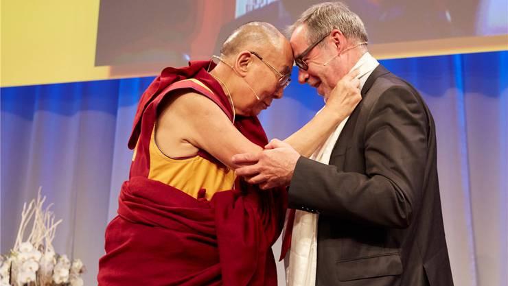 Der Dalai Lama und Stapi Alexander Tschäppät verstehen sich. Acht Jahre nach der ersten Einladung kam der Besuch endlich zustande. Yoshiko Kusano/EQ Images