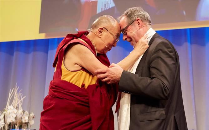 Der Dalai Lama und Stapi Alexander Tschäppät verstehen sich. Acht Jahre nach der ersten Einladung kam der Besuch endlich zustande.