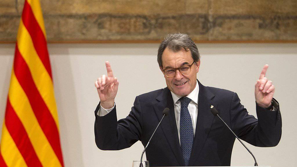 Der frühere katalanische Regionalpräsident Artur Mas darf während zwei Jahren kein politisches Amt ausüben. (Archiv)