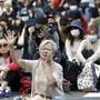 Tausende Anhänger der Demokratiebewegung blockierten den fünften Tag in Folge die Strassen Hongkongs.