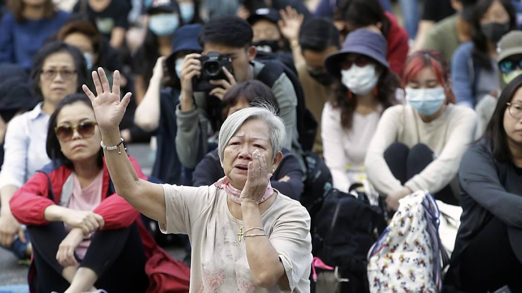 Ministerin aus Hongkong wird in London verletzt