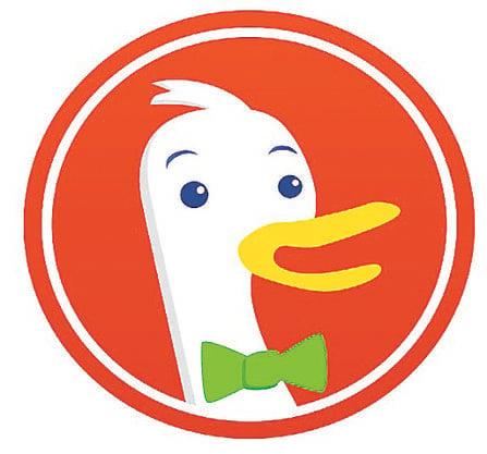 Eine gute Alternative zu den üblichen Suchmaschinen ist DuckDuckgo.com.