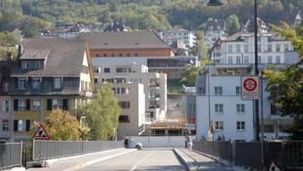 Blick über die Schiefe Brücke nach Ennetbaden