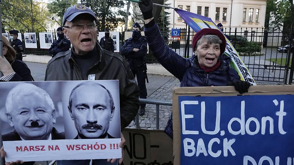 Laut einem Urteil des polnischen Verfassungsgerichts sind Teile des EU-Rechts nicht mit der Verfassung des Landes vereinbar - gegen diese richterliche Entscheidung gibt es nicht nur in Polen selbst Widerstand. Foto: Czarek Sokolowski/AP/dpa