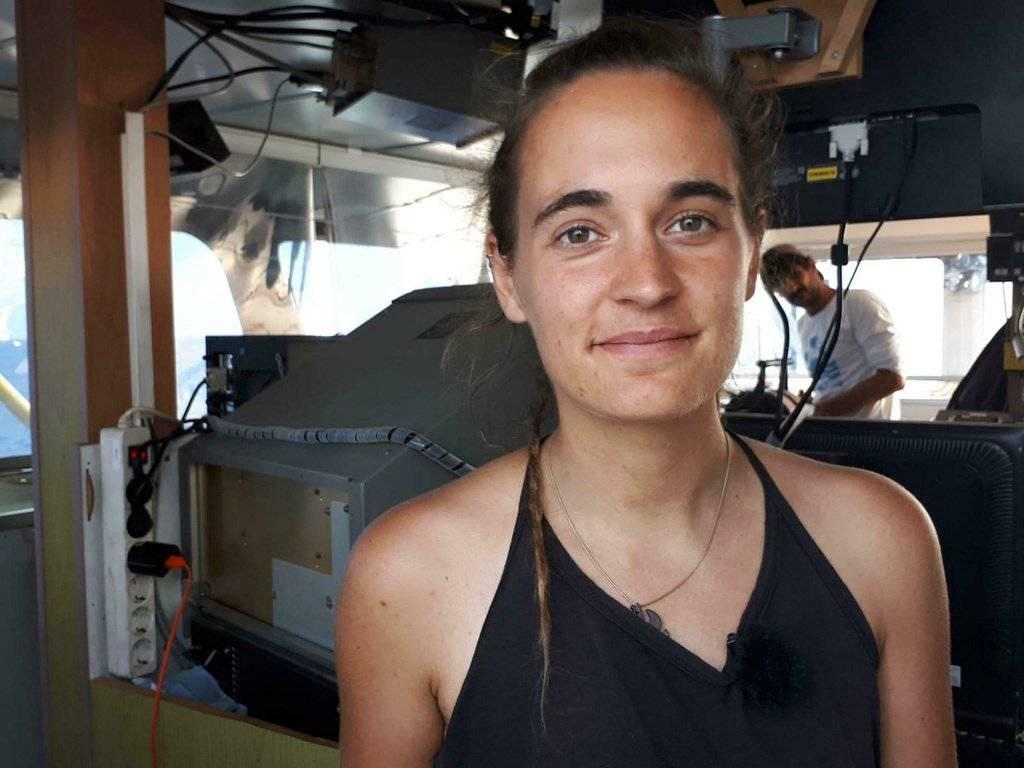 Carola Rackete wird seit Samstag in Italien festgehalten. (Bild: ANSA/Matteo Guidelli via AP)