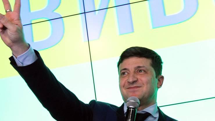 Mit Abstand die meisten Stimmen hat der Komiker Wolodimir Selenski geholt