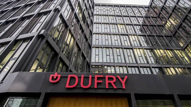 Dufry fuhr im ersten Quartal erwartungsgemäss einen hohen Verlust ein, zeigt sich aber zuversichtlich.