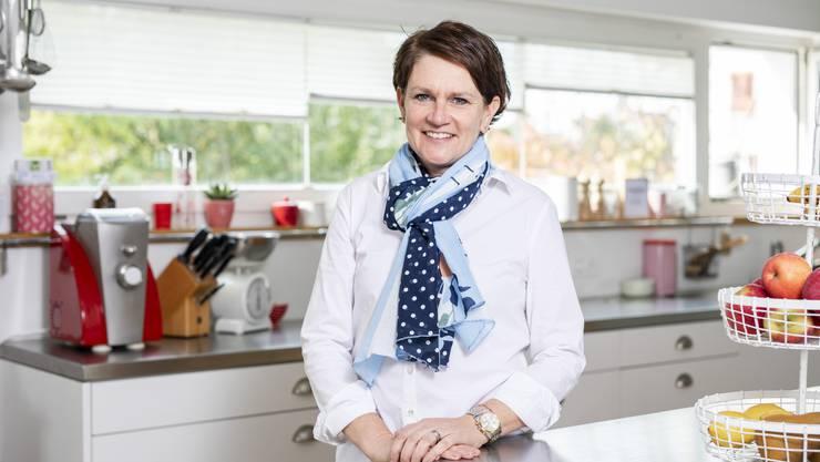 Hier entstehen die Rezepte: Kathrin Erne in ihrer Küche zu Hause in Lenzburg.
