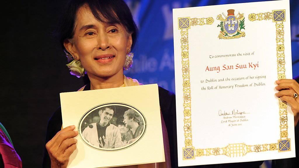Amnesty entzieht Suu Kyi Ehrentitel