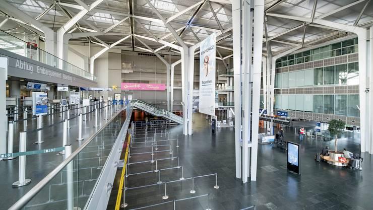 Die leeren Hallen im Corona-Lockdown – im Bild der Flughafen Basel Mulhouse – spiegeln sich in den Zahlen der Luftverkehrsstatistik wieder.