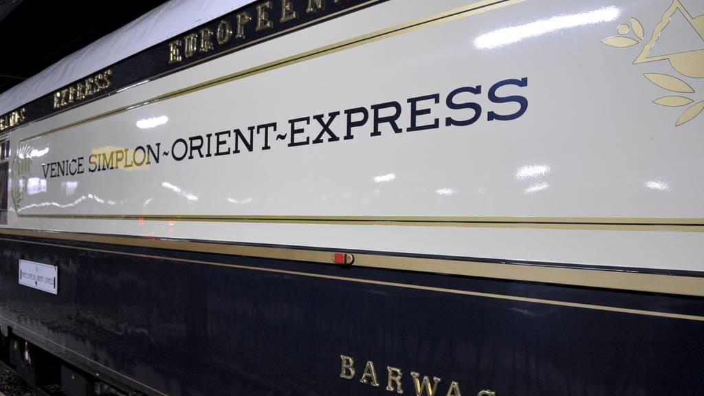 Hollywood-Star tuckert mit Orient-Express durchs FM1-Land