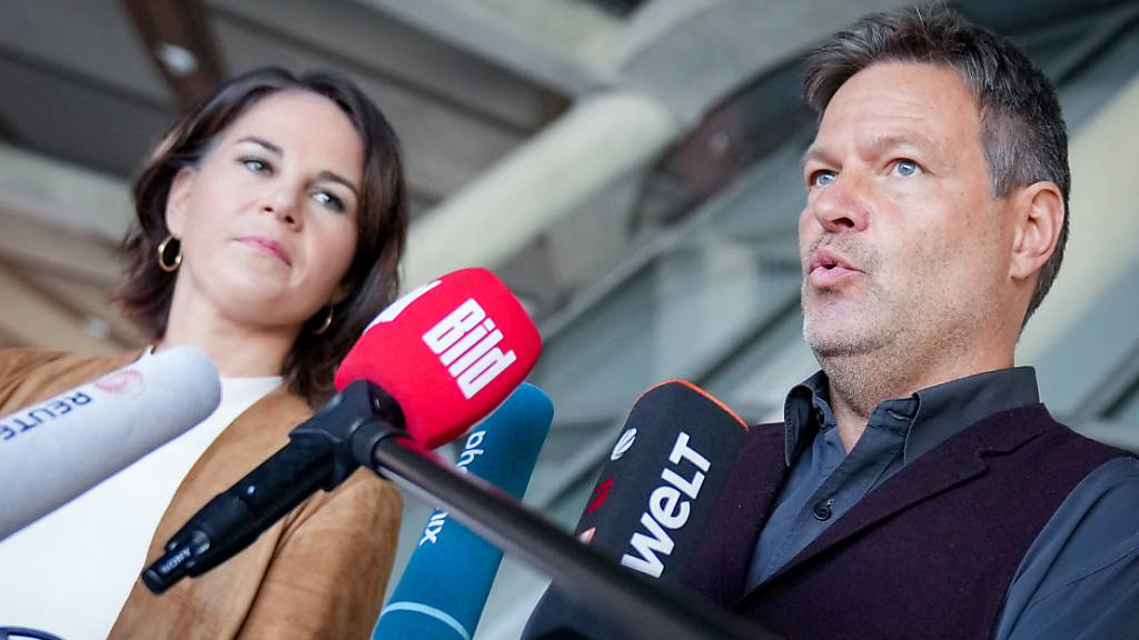 Grüne wollen rasch Sondierungsgespräche mit SPD und FDP