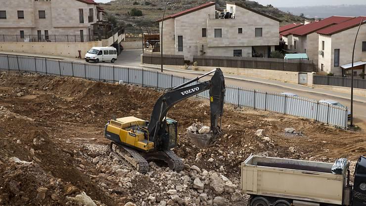 Bauarbeiten bei einer israelischen Siedlung im Westjordanland (Archivbild)