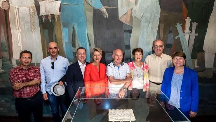 Auch sie haben zum Besucherrekord beigetragen: Der Gesamtbundesrat auf seinem «Bundesratsreisli» im Juli 2019 im Bundesbriefmuseum in Schwyz.