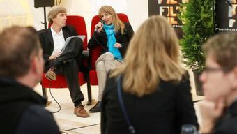 Im lockeren Gespräch sinnierte Seraina Rohrer mit Theodor Eckert über künftige Filmtage-Maskottchen und -Gäste.