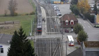 Das Gebiet beim Bahnhof soll bis zum Start der Ortsplanungsrevision nicht angetastet werden. (Archiv)