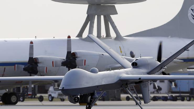 Eine Predator-Drohne der US-Luftwaffe auf einem Stützpunkt in Texas. Zwei ähnliche Modell verlegten die USA vorübergend nach Lettland. (Archivbild)