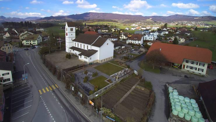 Zentrum Obergösgen: Nach dem Bau des Kreisels Schachenstrasse (unten links) wird die Zufahrt Kirchweg Ost (rechts) in die Aarauerstrasse aufgehoben