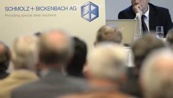 Aktionäre an der ausserordentlichen Generalversammlung von Schmolz + Bickenbach in Emmenbrücke