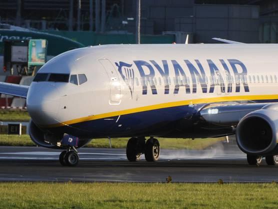 ... die irische Ryanair mit 400 Fliegern und einem Umsatz von 6,54 Milliarden Euro.