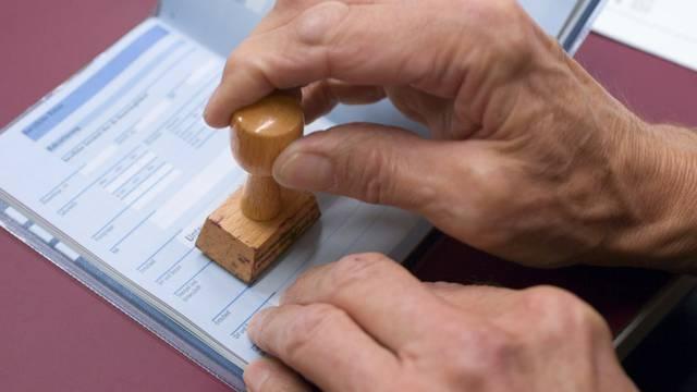 Das System der Dienstpflicht in der Schweiz soll verbessert werden (Archiv)