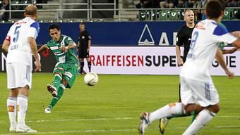 Oscar Scarione nimmt Mass und trifft zum 1:0 für St. Gallen