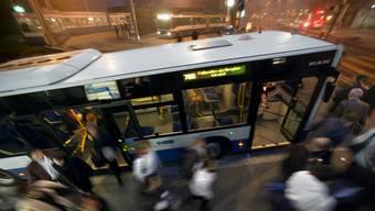 Die Buslinien 31 und 34 werden miteinander verbunden und die Linie 34 wird aufgehoben. Der Stadtrat hat ein entsprechendes Bauprojekt bewilligt. (Symbolbild)