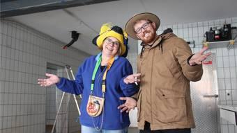 «Sorry»: Zunftmeisterin Susanne Spycher und Julian Huber, OK-Mitglied des Nachtumzugs in Hägglingen, lösen den Scherz um die neue Chäsi im Dorf auf. Andrea Weibel