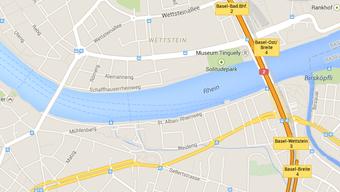 Tote Frau wird zwischen Wettstein- und Schwarzwaldbrücke geborgen.