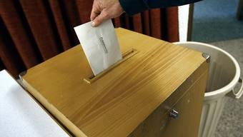 Der Nationalrat lehnt es ab, den Kantonen freie Hand zu lassen bei den Wahlverfahren. (Archivbild)