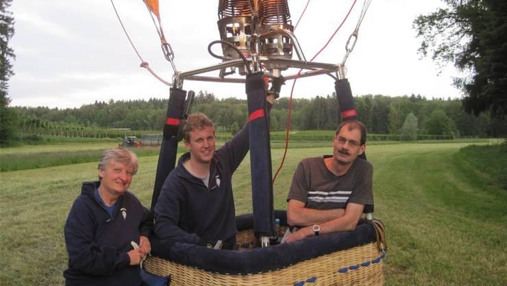 Ein Team hebt ab (v.l.): Sonja und Stefan Trindler, Navigator Gerry Löffel.
