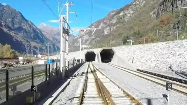In Echtzeit: Einmal durch den neuen Gotthard-Basistunnel fahren