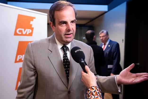 «Die CVP sagt klar Ja zum bilateralen Weg», erläutern Präsident Gerhard Pfister und Fraktionschef Filippo Lombardi (r.).Keystone
