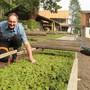 Andi Budliger im Forstgarten, für den er seit 1995 verantwortlich ist.