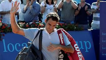 Roger Federer verabschiedet sich vom Gstaader Publikum.