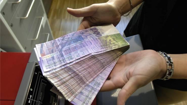 Bestellt und einigermassen problemlos am Solothurner Postschalter abgeholt: 4600 Tausendernoten. Symbolbild