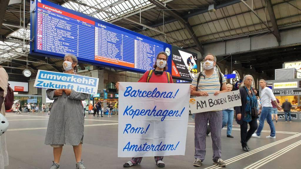 Klima-Aktivisten feiern Rückkehr der Nachtzüge und fordern 1,9 Milliarden