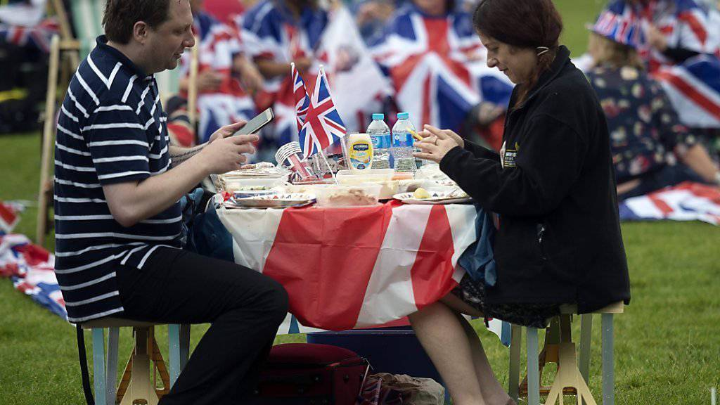 Überall Union Jacks und Queen-Porträts: Das grosse Picknick zu Ehren des 90. Geburtstages der Queen war «very british».