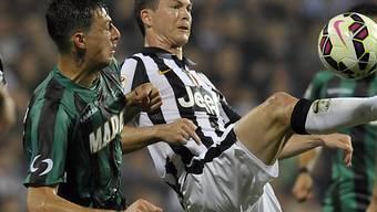 Stephan Lichtsteiner (r.): Bei Juventus eine feste Grösse - wie lange noch?