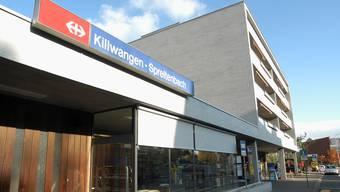 Bis auf weiteres bleibt der Bahnhof eine der wenigen Gemeinsamkeiten von Killwangen und Spreitenbach.