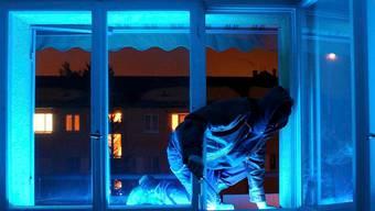 Bei Hausfriedensbruch wird ein grosser Teil der Straftaten im Zusammenhang mit Einbruchdiebstahl verzeigt.