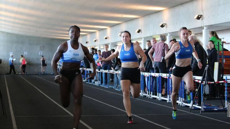 Drei der schnellsten Läuferinnen über 50m an diesem Event.