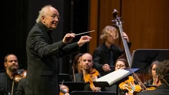 Ansteckende Präsenz: Heinz Holliger und das Kammerorchester Basel begeistern beim Auftritt im Musical-Theater.
