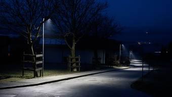 Kein Licht der Strassenbeleuchtung zwischen 1 und 5 Uhr nachts, fordert die GLP. (Symbolbild)