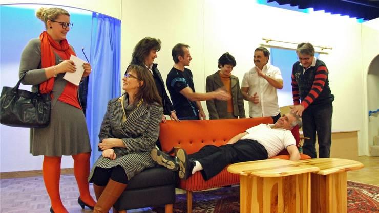 Beim Lustspiel «Rente gut – alles gut» des Theaters Tangram geht es turbulent zu und her. bwi