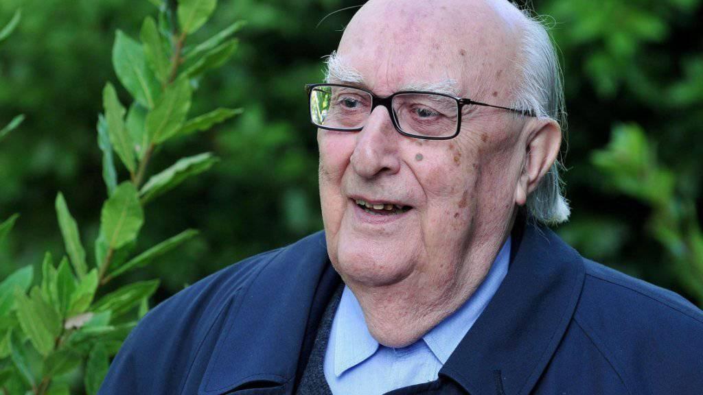 Der italienische Schriftsteller Andrea Camilleri hat am Sonntag seinen 90. Geburtstag gefeiert. (Archivbild)