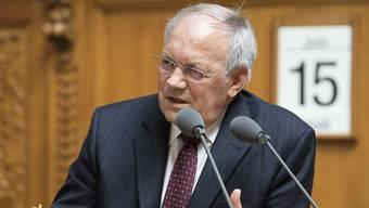 Bundesrat Johann Schneider-Ammann will gegen die teils überrissenen Preise in der Schweiz vorgehen.