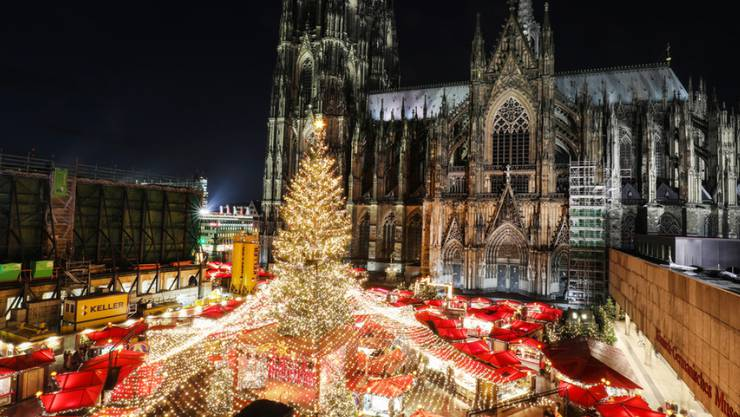 Der Kölner Weihnachtsmarkt auf dem Roncalliplatz vor dem Dom. (Archivbild)